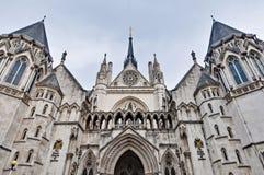 Königliche Gerichtshöfe in London, England Lizenzfreie Stockfotografie