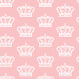 Königliche Krone auf rosa Hintergrund Stockfotos