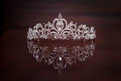 Königliche Krone, Diadem Reichtumssymbol der Energie und des Erfolgs stockfotos