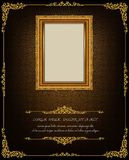 Königlicher Goldrahmen Thailands auf Enterichmusterhintergrund, Weinlesefoto-Rahmenantike, Designmuster stockfoto