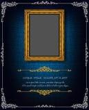 Königlicher Goldrahmen Thailands auf Enterichmusterhintergrund, Weinlesefoto-Rahmenantike, Designmuster lizenzfreie stockbilder
