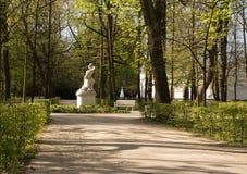 Königlicher Park Lazienki (Bad) Horizontaler Markstein Stockfotos