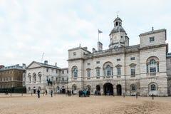 Königlicher Pferdeschutz führt am Admiralitäts-Haus in London vor Lizenzfreie Stockfotografie