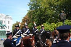 Königlicher Trainer, der auf Lange Voorhout auf der Prinztagparade in Den Haag fährt Stockfoto
