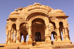 Königliches Chhatris oder Ehrengrabmals von Bada Bagh Stockfotografie