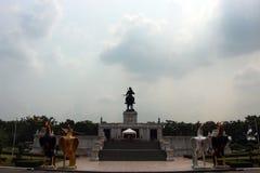 Königliches Monument von König Naresuan das große König ` s lizenzfreie stockfotografie