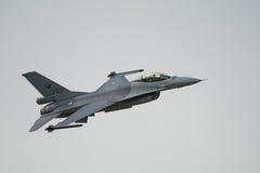 Königliches niederländisches Kampfflugzeug F16 der Luftwaffe (Luftwaffe der Niederlande) Stockfotografie