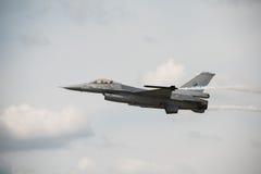 Königliches niederländisches Kampfflugzeug F16 der Luftwaffe (Luftwaffe der Niederlande) Stockbilder