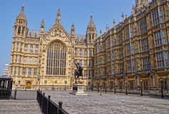 Königmonument am Palast von Westminster in London Lizenzfreie Stockbilder