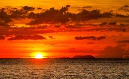 Können Sie an einen besseren Sonnenuntergang denken? lizenzfreies stockfoto