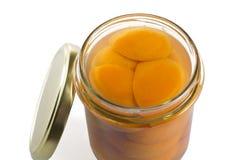 Können Sie von den Aprikosen im Sirup Lizenzfreie Stockfotografie