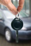 Köp eller hyr en bil arkivbilder