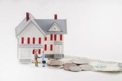 Köp eller sälj ett hus royaltyfri fotografi
