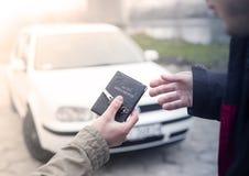 köpande bil Fotografering för Bildbyråer
