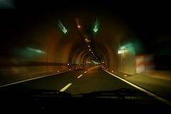Kör ho tunnelen Arkivfoto