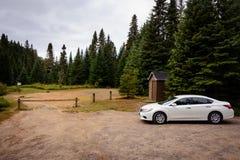 Köra in i vildmarken, Kanada II royaltyfria foton