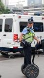 Köra somatosensory allsidiga den tjänstgörande polisbilen Arkivbild