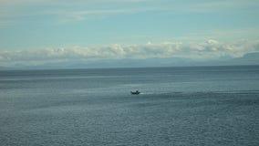 Köra till och med det ändlösa havet Royaltyfri Foto