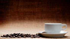 Körner des Cup c des Kaffees Lizenzfreie Stockfotografie