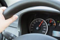 Körning över hastighetsbegränsning Arkivfoton