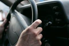 Körning av bilen Arkivbilder
