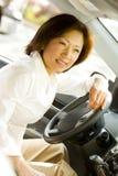 körning av kvinnan royaltyfri bild