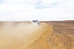 Körning i öknen i Marocko Arkivfoton