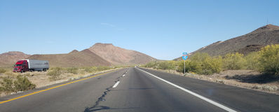 Körning på Interstate-10 royaltyfria bilder