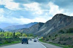Körning på mellanstatliga 70 från Denver till den Utah bortgången Arkivbild