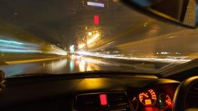Körning på natten med kameran i bil stock video