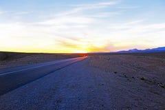 Körning till och med Sahara Desert Morocco Royaltyfri Foto