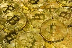Körperlicher Bitcoin-Stapelhintergrund, Bitcoin-Bergbau Lizenzfreies Stockfoto