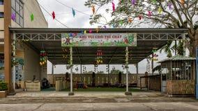 Körperlicher Tummelplatz im Kindergarten Hoa Chau, Dorf von Phuong Nam bewirtschaftend, Vietnam stockbilder