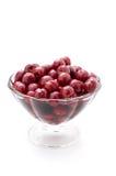 Körsbär i en glass vas Fotografering för Bildbyråer