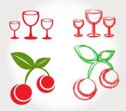 Körsbär och vinexponeringsglas Royaltyfri Bild