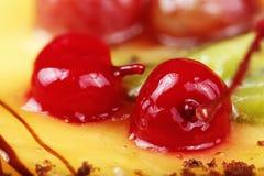Körsbär på kakan Arkivfoton