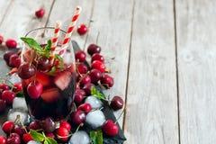 Körsbärsröd fruktsaftbakgrund Royaltyfria Foton