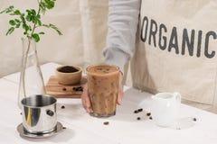 Köstlich von selbst gemachtem grüner Tee matcha Latte Lizenzfreie Stockfotos