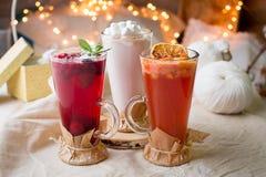 Köstliche Bonbongetränke für Weihnachtsfest Stockfotos