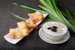 Köstliche dekorative Sojabohnen in der Kokosmilch Stockfotos