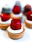 Köstliche Erdbeeretörtchen Stockbild