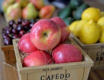 Köstliche Früchte Stockbild