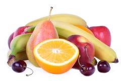 Köstliche Früchte auf Weiß Lizenzfreies Stockfoto