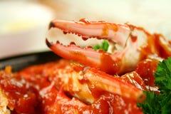 Krabbe in der Tomatensauce Lizenzfreies Stockfoto