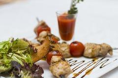 Köstliche Hühnerkebabs Stockfotografie