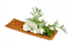 Köstliche Knäckebrote mit Hüttenkäse Lizenzfreies Stockfoto