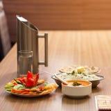 Köstliche Lebensmittel Butter Paneer, gedämpfter Reis und Chapati Lizenzfreie Stockbilder