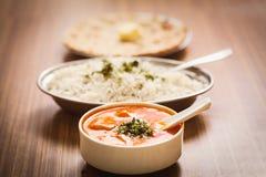 Köstliche Lebensmittel Butter Paneer, gedämpfter Reis und Chapati Lizenzfreies Stockfoto