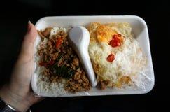 Köstliche Mahlzeit im Zug! Stockfotografie