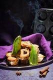 Köstliche Muffins mit Birne Stilllife-Zusammensetzung Lizenzfreies Stockbild